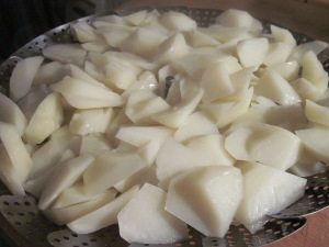 Steamed potatoes for Spanish Tortilla recipe